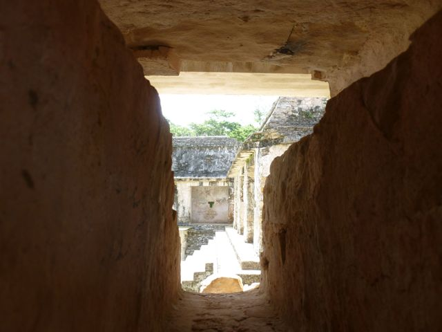 palenque looking through hole