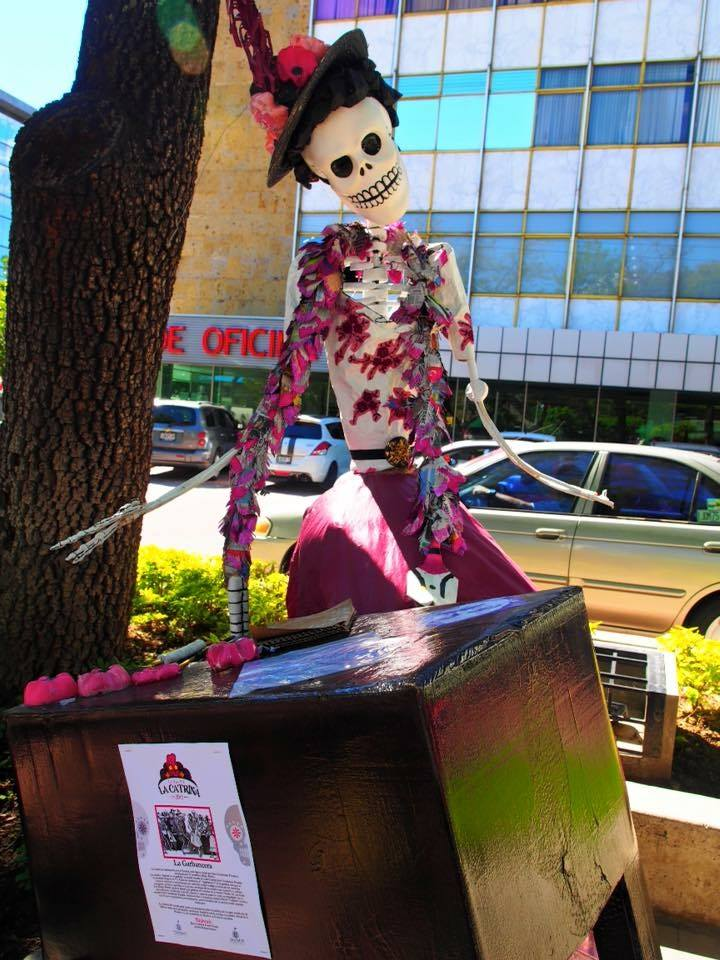 la catrina with purple and pink