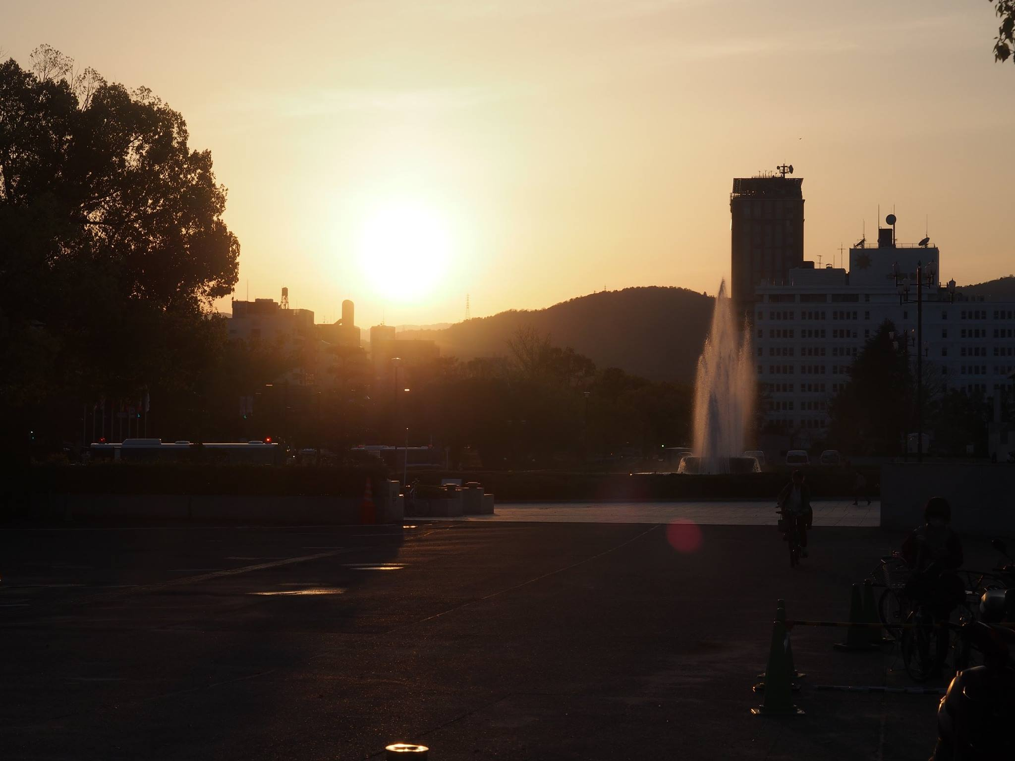 hiroshima peace memorial sunset