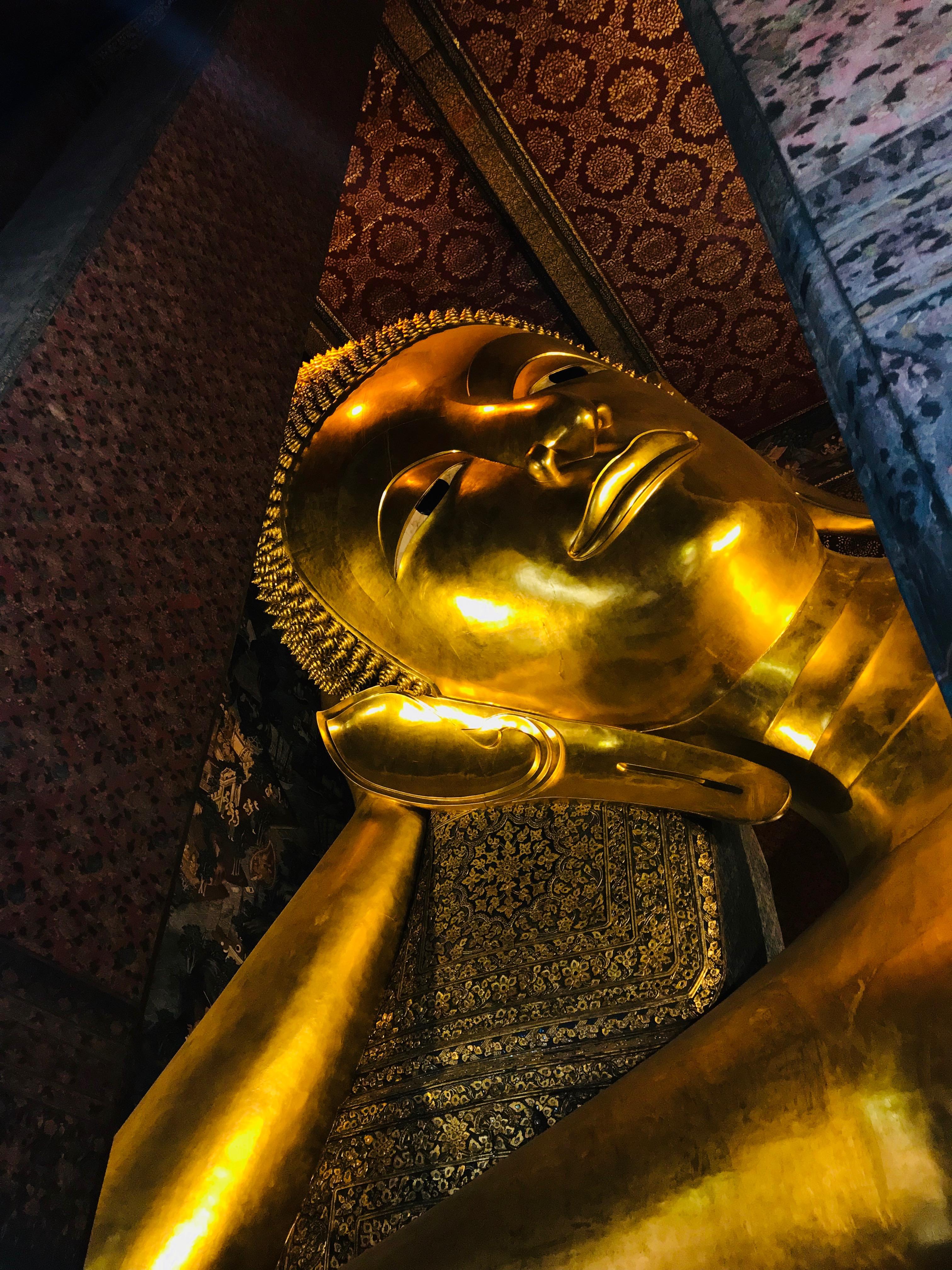 reclinign buddha bangkok
